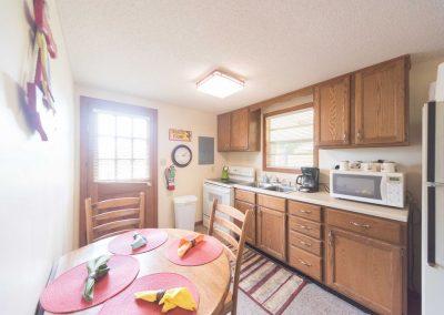 Barefoot Properties | Kentucky Lake Vacation Rentals | Lake House | Eat-In Kitchen