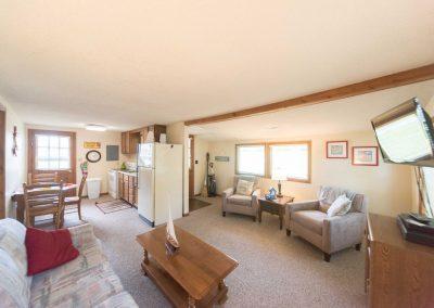 Barefoot Properties | Kentucky Lake Vacation Rentals | Lake House | Living Room