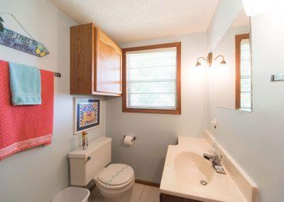 Barefoot Properties | Kentucky Lake Vacation Rentals | Lake House | Bathroom