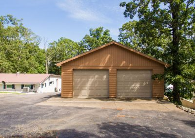Barefoot Properties | Kentucky Lake Vacation Rentals | Lake House | Lake View | Separate Garage