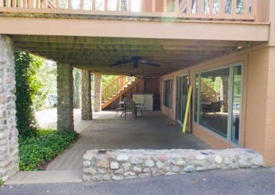 Barefoot Properties | Kentucky Lake Vacation Rentals | Lake House | Covered Porch