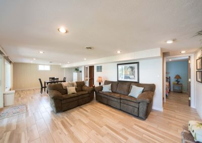 Barefoot Properties | Kentucky Lake Vacation Rentals | Lake Cottage | Living & Diving Area