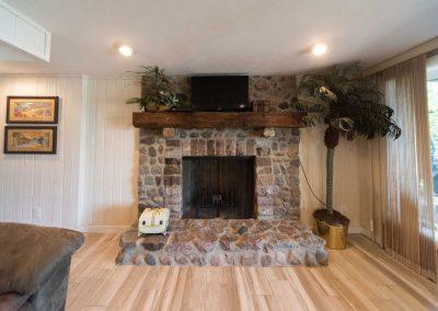 Barefoot Properties | Kentucky Lake Vacation Rentals | Fireplace