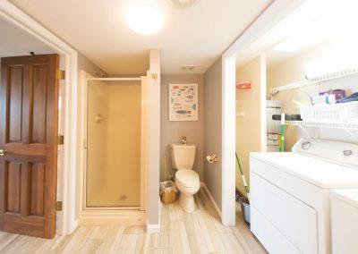 Barefoot Properties | Kentucky Lake Vacation Rentals | Lake Cottage | Huge Master Bathroom | Washer & Dryer