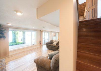 Barefoot Properties | Kentucky Lake Vacation Rentals | Lake Cottage | Living Room