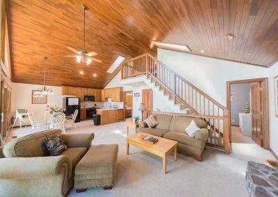Barefoot Properties | Kentucky Lake Vacation Rentals | Lake Cottage | Great Room