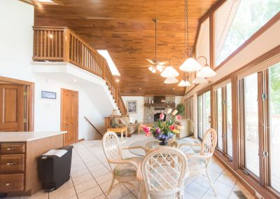 Barefoot Properties | Kentucky Lake Vacation Rentals | Lake Cottage | Fully Furnished | Breakfast Nook