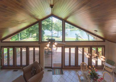 Barefoot Properties | Kentucky Lake Vacation Rentals | Lake House | Living Room Lake Views