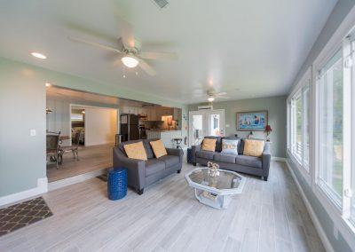 Barefoot Properties | Kentucky Lake Vacation Rentals | Lake House | Open Concept | Living Area | Lake Views