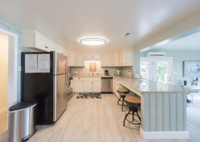 Barefoot Properties | Kentucky Lake Vacation Rentals | Lake House | Kitchen & Living Area