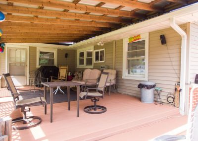 Barefoot Properties | Kentucky Lake Vacation Rentals | Outdoor Living Space