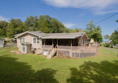 Barefoot Properties | Kentucky Lake Vacation Rentals | Outdoor Living Space