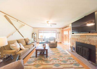 Barefoot Properties | Kentucky Lake Vacation Rentals | Living Room | Fireplace