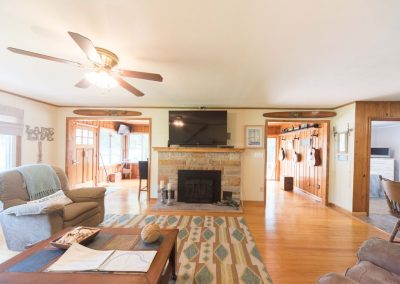 Barefoot Properties | Kentucky Lake Vacation Rentals | Living Room | Fireplace