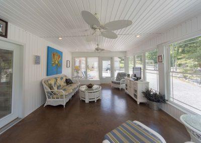 Barefoot Properties | Kentucky Lake Vacation Rentals | Lake House | Sun Porch