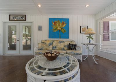 Barefoot Properties | Kentucky Lake Vacation Rentals | Lake House | Sun Porch