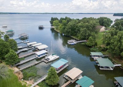 Barefoot Properties | Kentucky Lake Vacation Rentals | Lake Cottage | Lake View | Private Boat Dock