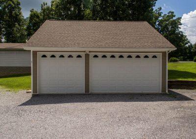 Barefoot Properties | Kentucky Lake Vacation Rentals | Lake House | Separate Garage