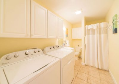 Barefoot Properties | Kentucky Lake Vacation Rentals | Lake House | Laundry Room | Washer & Dryer