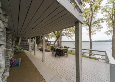 Barefoot Properties | Kentucky Lake Vacation Rentals | Short & Long Term Rentals | Lakefront View | Deck