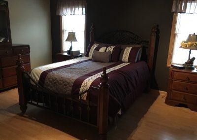 Barefoot Properties | Kentucky Lake Vacation Rentals | Short & Long Term Rentals | Birmingham Pointe Event Center | Kentucky Lake | Cottage | Master Bedroom