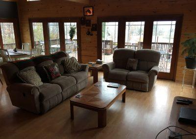Barefoot Properties | Kentucky Lake Vacation Rentals | Short & Long Term Rentals | Birmingham Pointe Event Center | Kentucky Lake | Cottage | Living Space