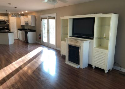 Barefoot Properties | Kentucky Lake Vacation Rentals | Open Kitchen & Living Room
