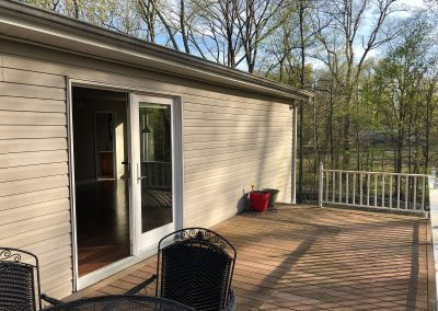 Barefoot Properties | Kentucky Lake Vacation Rentals | Deck Outdoor Seating Area